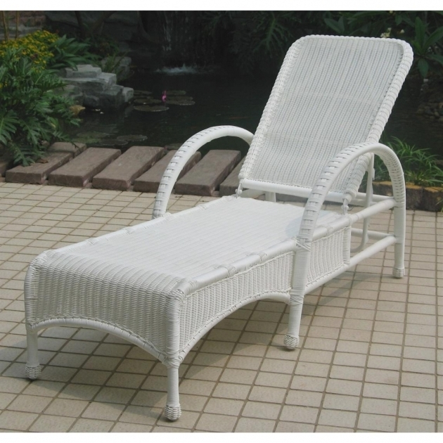 Chicago White Wicker Chaise Lounge 4 Pc Dar Wicker Patio Furniture Photo 22