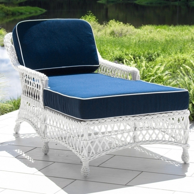 White Wicker Chaise Lounge Clearance With Cushions Photo ...