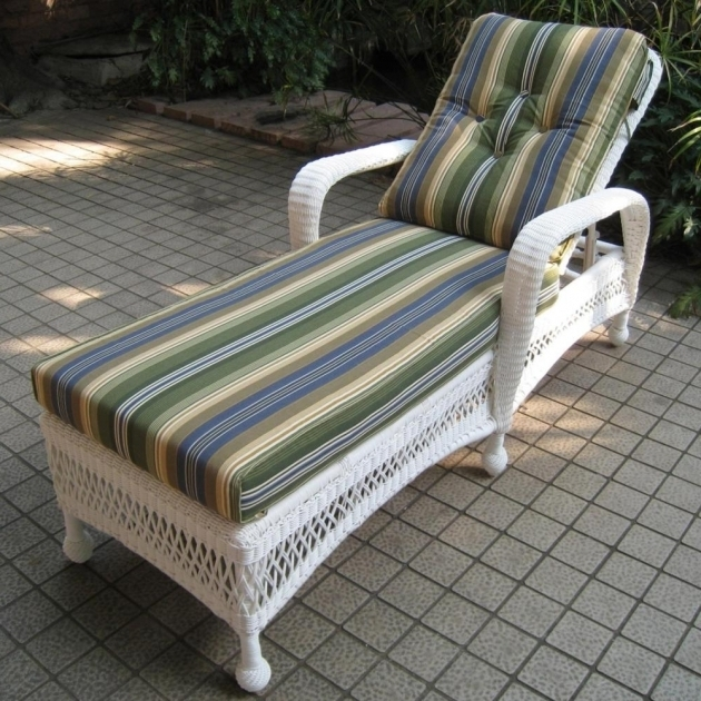 White Wicker Chaise Lounge Outdoor Image 31