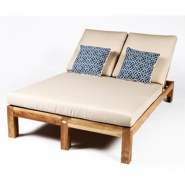 Patio chaise lounge excellent patio chaise lounges lazboy for Chaise cushions clearance