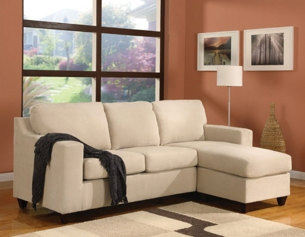 Small sectional sofa with chaise lounge apartment size for Apartment size leather sofa