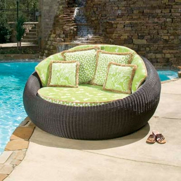 Round Outdoor Chaise Lounge Chair Photo 70