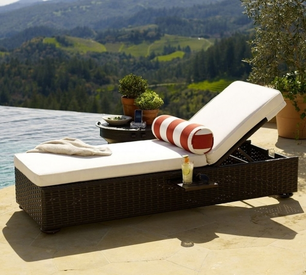 Wicker Chaise Lounge Outdoor With White Cushion Round Matching Table White Orange Stripe Pictures 91