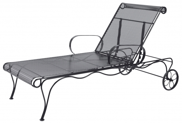 Wrought iron chaise lounge chairs wrought iron chaise for Black wrought iron chaise lounge